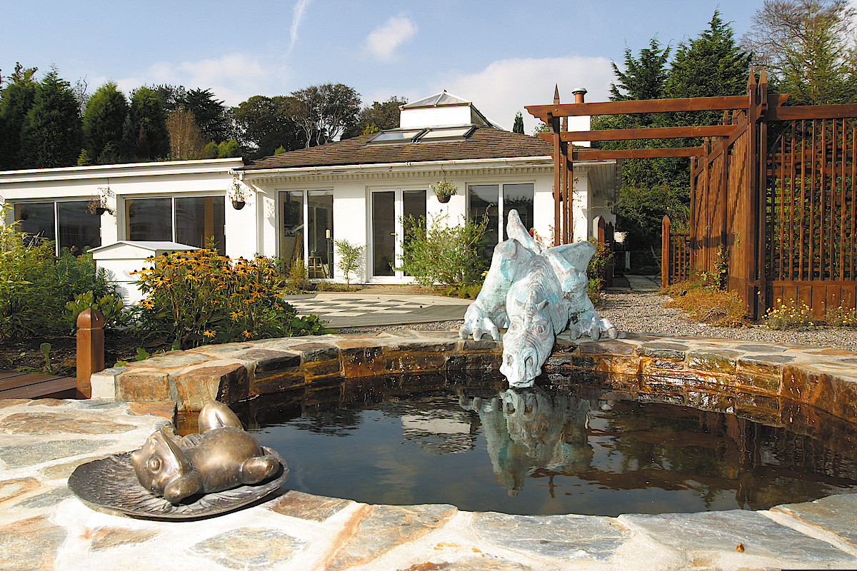 Beaufield House garden drinking dragon and frog water feature