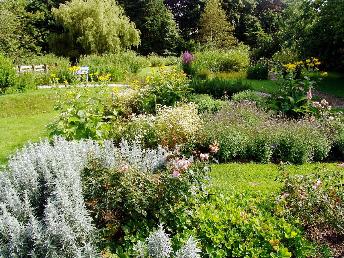 Rushen Abbey Gardens planting
