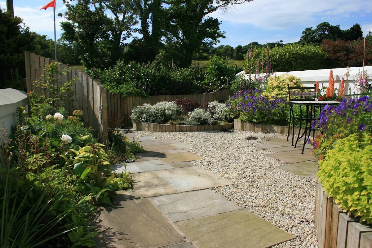 Garden design infront of house